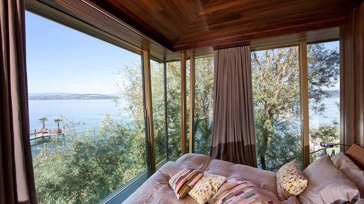 Idyllischer Ausblick aus dem Baumhaus. Hotel La Pinte, Murten - air-lux.ch