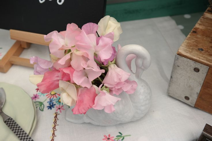 Sweet peas- pretty in pink!  British grown and served up in a vintage swan vase.