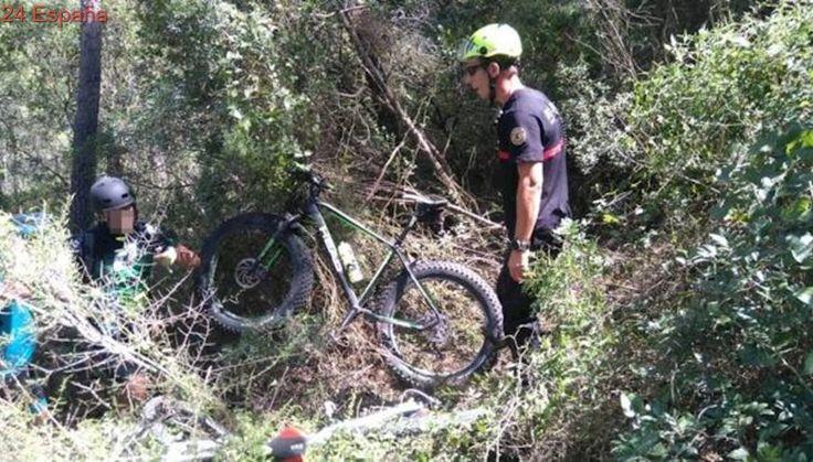 Rescatan a dos ciclistas deshidratados tras perderse durante cuatro horas en un barranco en Enguera