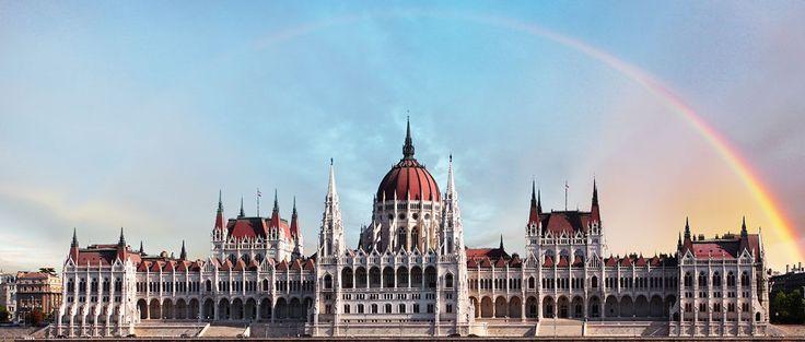 Chez Lufthansa tu profites des offres spéciales de voyage et réserve un vol à Budapest à prix incroyable de seulement 239.- !  Tu peux réserver ton vol ici: http://www.besoin-de-vacances.ch/reserve-vol-a-budapest-a-239/