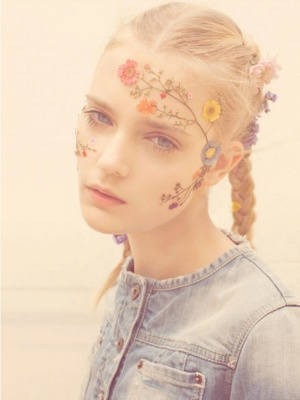 a beautiful take on face painting #floral #pressed_flowers #face_painting #kids_parties