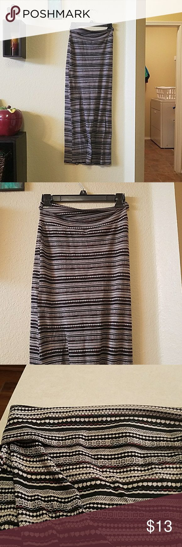 LOVEMARKS Tribal maxi skirt Light weight, tectured material. Fold over waist,  floor length maxi.  Tag is XS but would fit S as well. Skirts Maxi