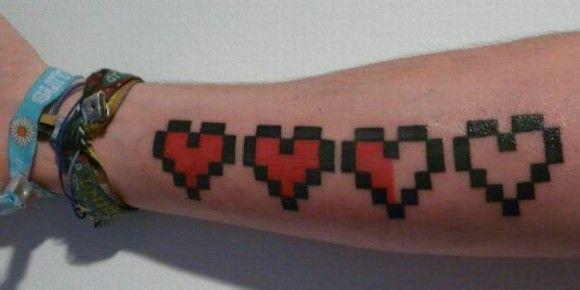 No way! Minecraft health level tattoo... <3 in love!