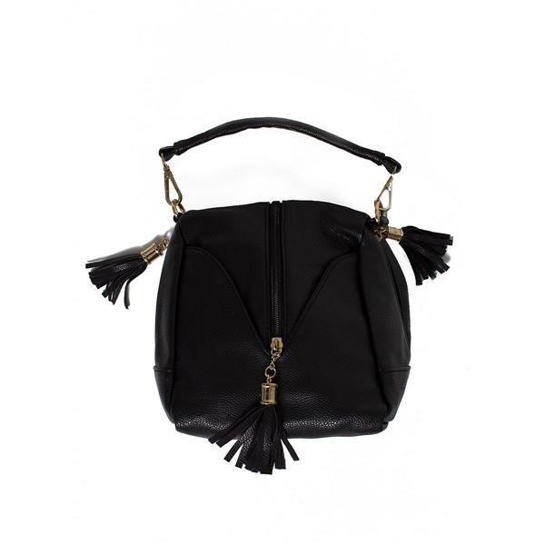 Bag with tassels Trendy handbag with tassels. Bag zippered https://www.cosmopolitus.com/peaenkumodel750245black-p-129691.html?language=en&pID=129691 #handbag #style #boho #fringe #trend #fashionable #casual #black