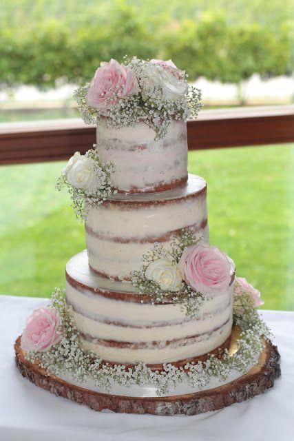Nackte Torte, Hochzeitstorte, Torte, dreistöckige Torte, dreistöckige Hochzeitstorte