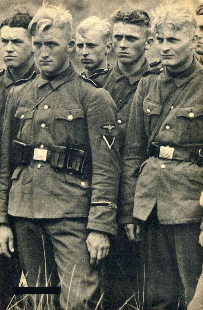 Young German soldiers towards the end of the war.