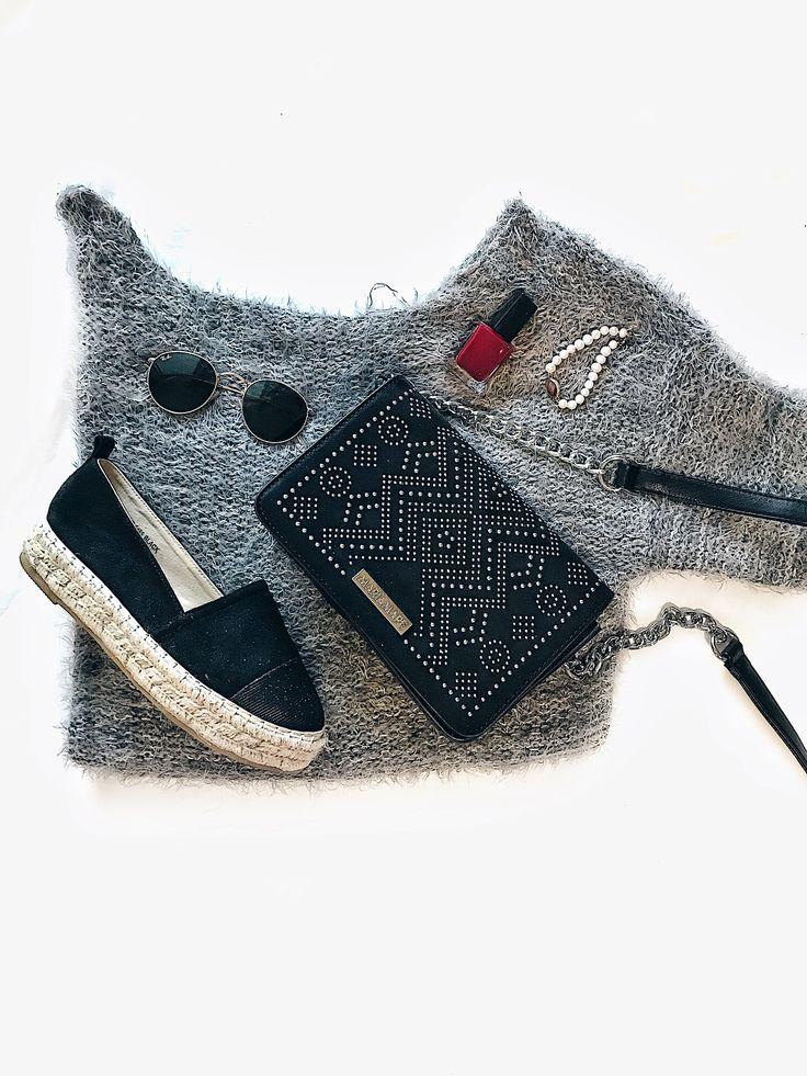 Black espadrilles outfit | IzyShoes