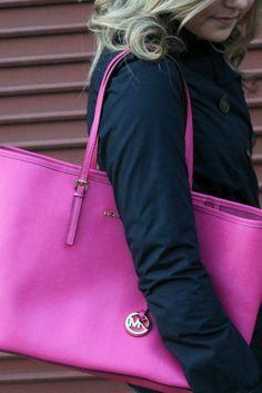 Michael Kors purse pink michaelkorsqueenb...