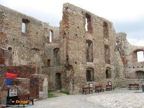#Dziedziniec zamku #Siewierz