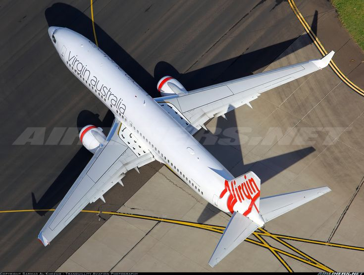 Boeing 737-81D aircraft picture