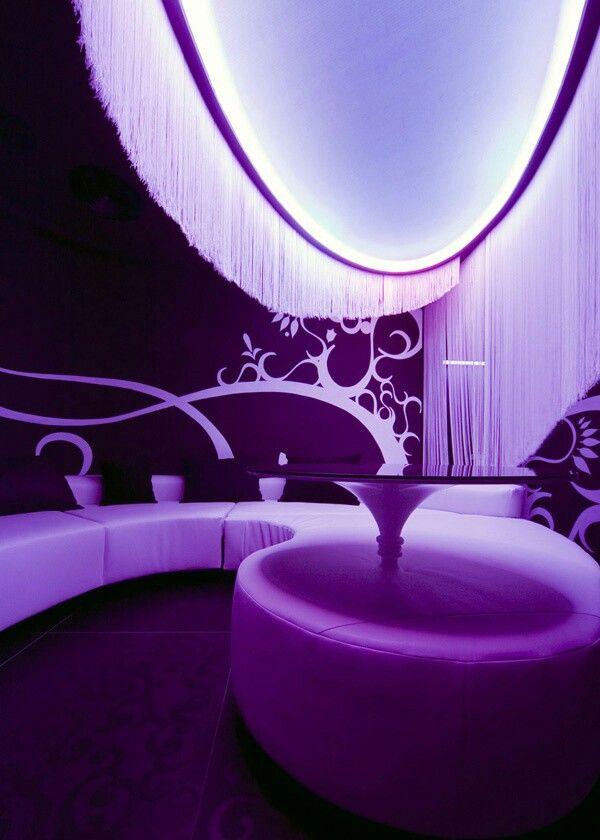 http://www.forvo.com/user/gorniak/  Purple Lounge Room