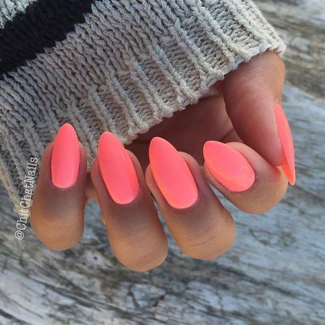 Vacation nails... Went neon this time with @semilac Pink Doll