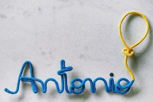 """Significado do Nome Antonio:    Significa """"valioso"""", """"de valor inestimável"""", """"digno de apreço"""". Nome de origem latina Antonius, que por sua vez origina-se do grego Antónios, significa...    Para comprar o enfeite do nome do seu filho clique aqui:http://bit.ly/2dhu44V    Enfeite da loja @acheioquequeria    #marqueumamãe #marqueumaamiga #enfeite maternidade #handmade #maternidade #significadodosnomes #dicasdemãe #gravidez #enxoval"""