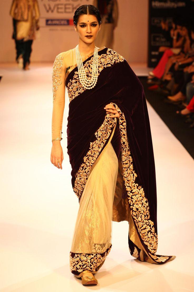 A half/half velvet saree with intricate zardosi border #shyamalbhumika #zardosi #velvet #saree