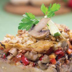 #Plăcintă cu #cartofi și #ciuperci este un prânz ideal în #post sau pentru #vegetarieni. Este delicioasă și are doar 392 de Calorii