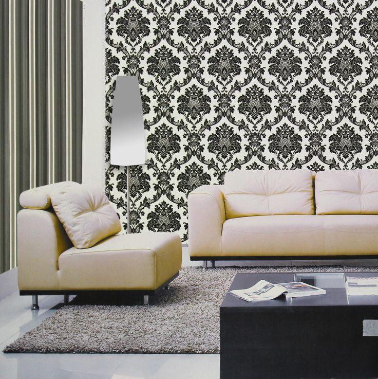 Que tal trazer um pouco do barroco europeu para sua casa? O papel de parede para sala no estilo colonial deixa o ambiente sofisticado e pronto para receber novas visitas.