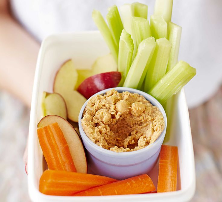 Peanut hummus with fruit & veg sticks
