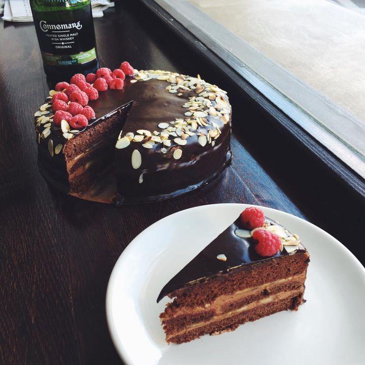 Bezlepkový čokoládový koláč s banánmi