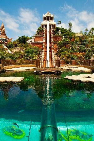Tenerife is home to one of the best water parks in the whole world: Siam Park. The water is heated to 25°C all year round, so you even enjoy all attractions when the weather isn't at its best.