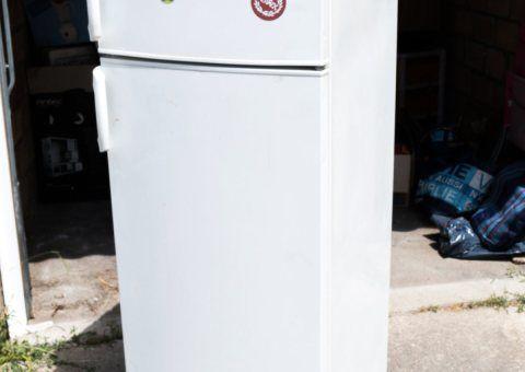 Donne réfrigérateur-congélateur Electrolux ARA28285W8