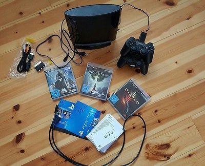 Playstation 3 mit Spielen und Standfuß