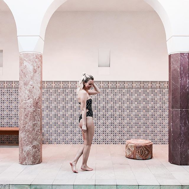 Two things: 1. all about this magical place is up on the blog now  2. Have I mentioned already that I want to go to Marrakech now?  Someone book me a flight please !!? In case you can't go to Marrakech , make sure to visit the Oriental World @thermegeinberg !  it's pure magic  #meinetherme #auszeitingeinberg #thermegeinberg #orientalworld #arkadenhof | Einladung