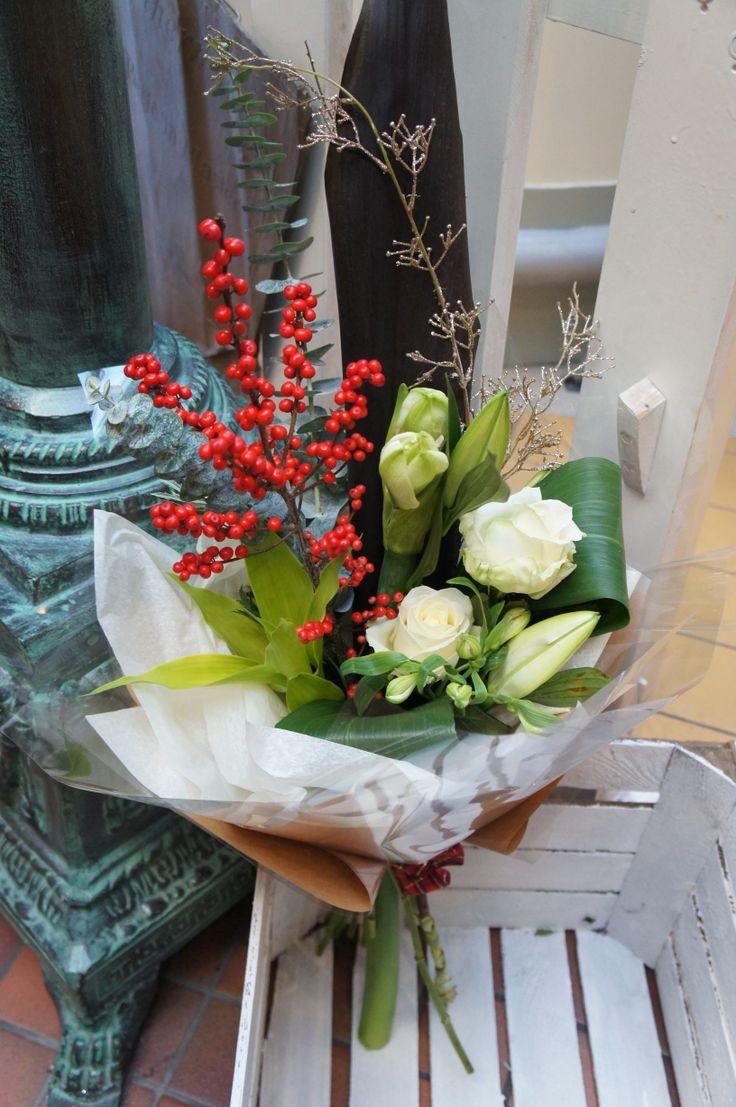 bright ilex berry, Amaryllis and roses