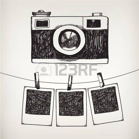 Vector Hand gezeichnet Doodle-Illustration des retro Fotorahmen und Kamera. Hängende Fotos in einem Fotostudio – Entchen