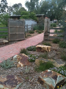 ECLIPS Landscaper Profile – Indigenous Design » Sustainable Gardening Australia
