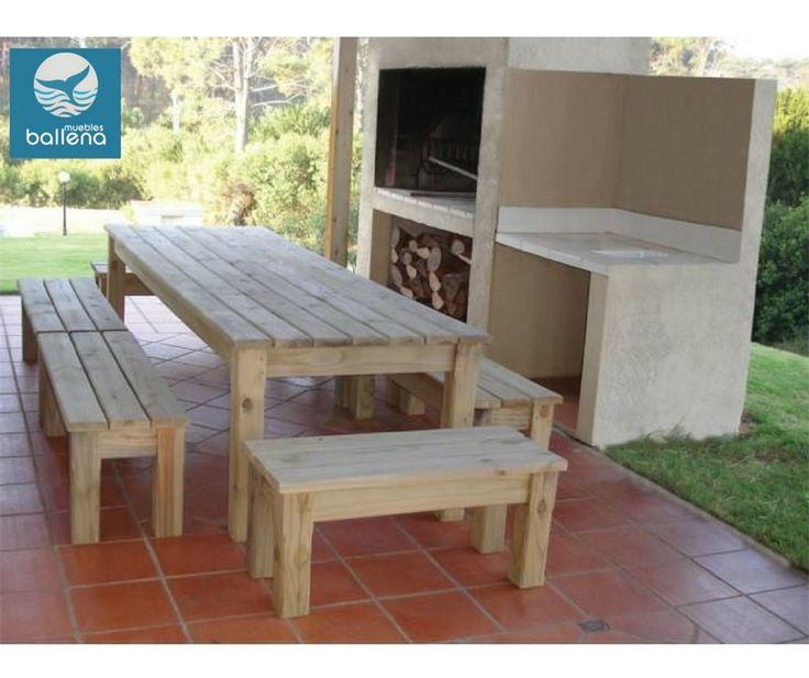 Mesa y bancas para jardín y barbacoa.