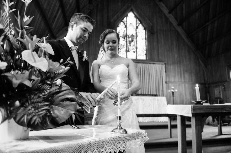 How to Hire Experienced and Expert #Wedding #Photographer Do you have a wedding event in some time and are you making the arrangements? Consider some points before hiring the best wedding photographer Auckland.