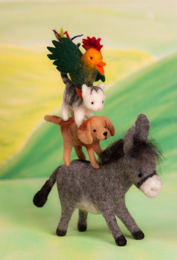 The Bremen town musicians fairy tale figure by Lulufeltfigures