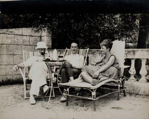 Brancusi, Marcel Duchamp and Mary Reynolds, Villefranche-sur-mer, sept. 1931 -by Constantin Brancusi via (RMN)