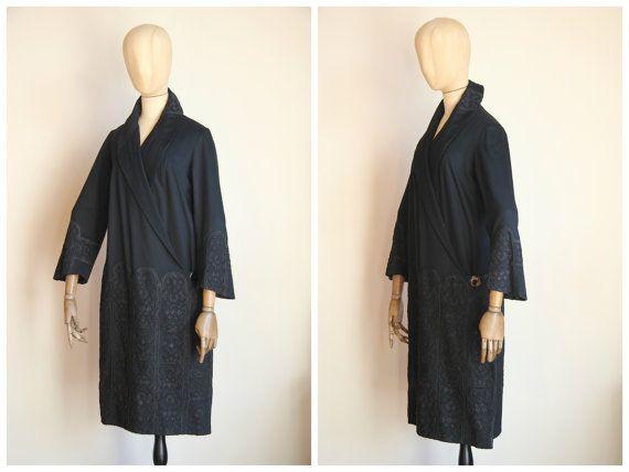 EN attente pour Lisa / RARE! Manteau brodé 1920 / manteau de laine 1920 / Egyptian Revival / Art déco / 1920 brodé manteau / manteau Couture 1920