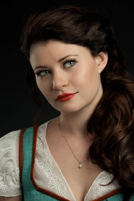 Once Upon a Time...Emilie de Ravin as Belle......My favorite character.