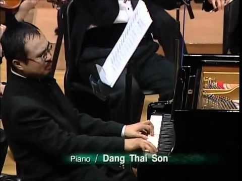 Chopin Piano Concerto No.1, Op.11, 1st movement (2/2) - Dang Thai Son - YouTube