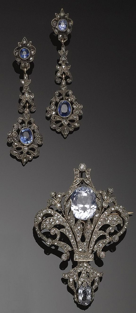 GOLD, SILVER, SAPPHIRE AND DIAMOND PENDANT/BROOCH AND PAIR OF PENDANT EARRINGS, circa 1890