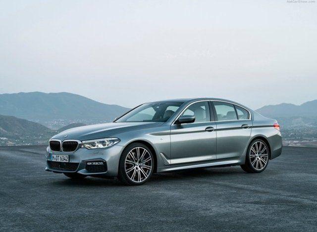 Dünyada yılın otomobilleri belirlendi: YILIN LÜKS OTOMOBİLİ     Birinci Finalist: BMW 5 serisi