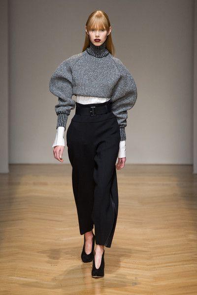 Aquilano.Rimondi at Milan Fashion Week Fall 2017 - Runway Photos