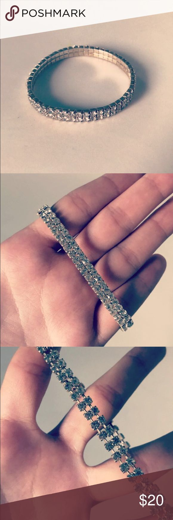 Dainty statement bracelet This is a great accessory if you want to add a bit of sparkle to your outfit. Slip it on to finish off your look flawlessly 💁 Jewelry Bracelets