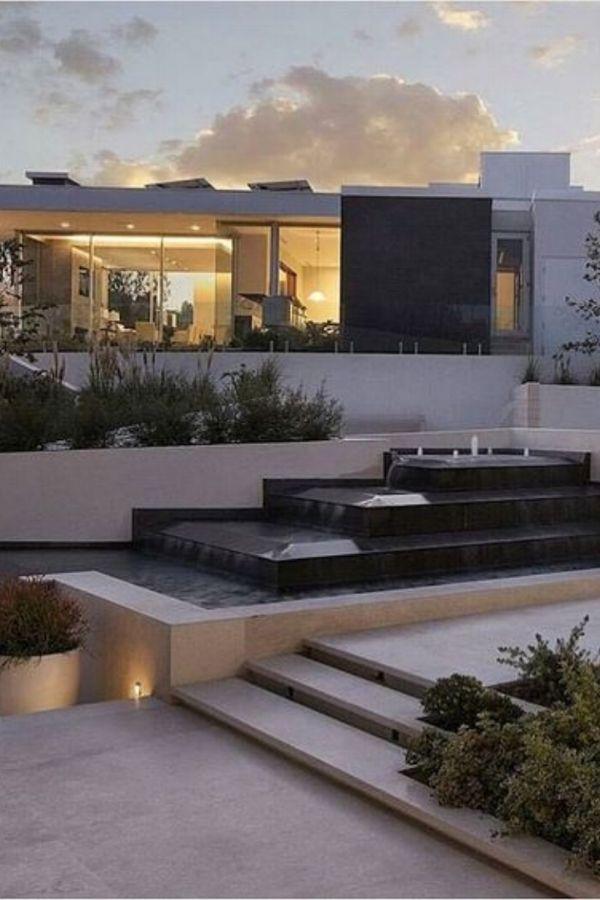 modern villa in beverly hills entrances modern mansion modern rh pinterest com