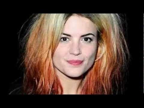 Alison Mosshart - The Passenger (Iggy pop cover) - YouTube