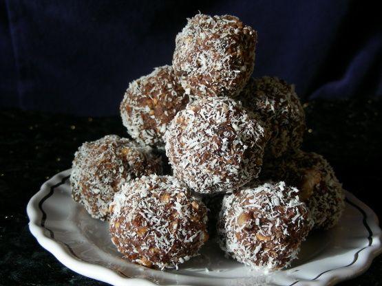 Kiwidutch S Rum Balls Sultanas Nuts No Condensed Milk Not Recipe Baking Food Com Recipe Rum Balls Recipes Food Processor Recipes