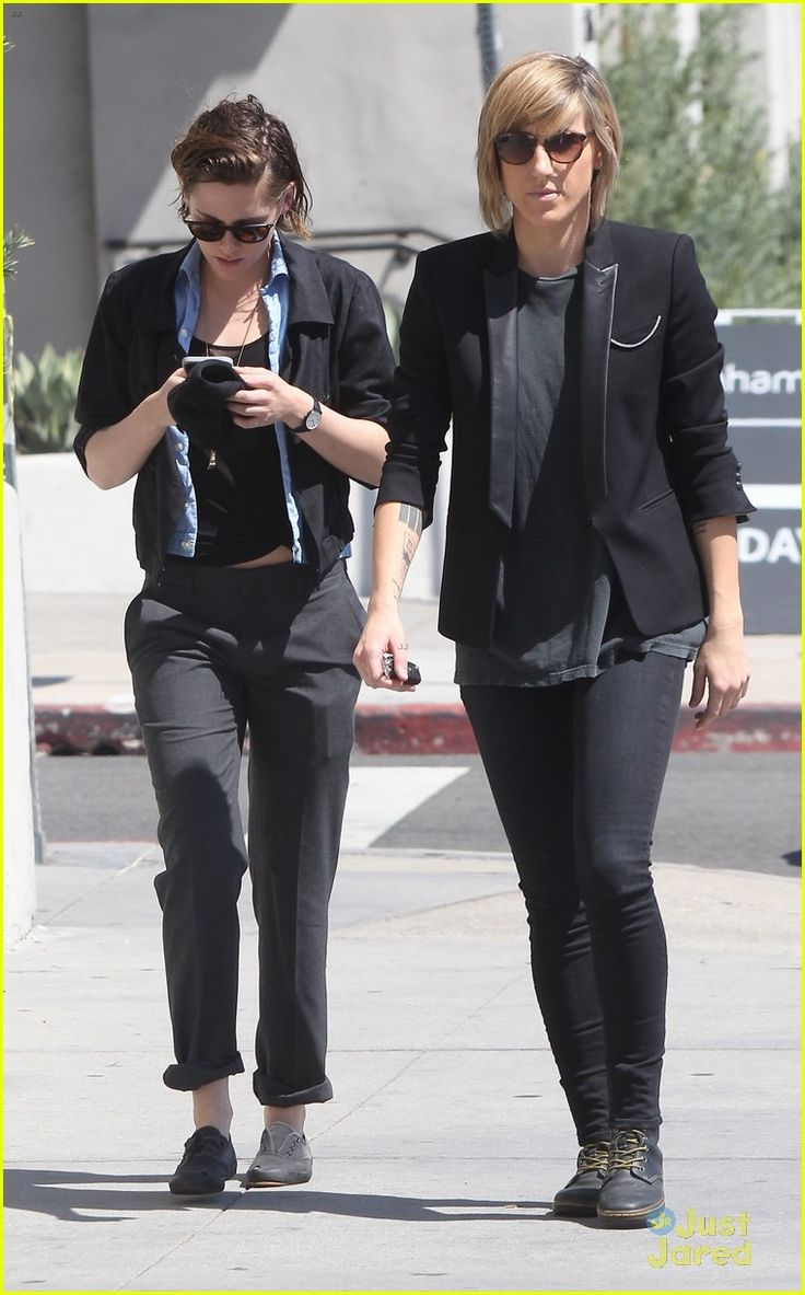 kristen dating alicia Kristen stewart has a long dating history who has kristen dated who is kristen dating now alicia cargile started out as stewart's personal assistant.