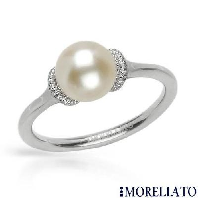 MORELLATO BIRMANIA Collection 8.3 Fresh Water Pearl;  ooooh! i love the pearl and diamonds together. i want a wedding ring like this<3