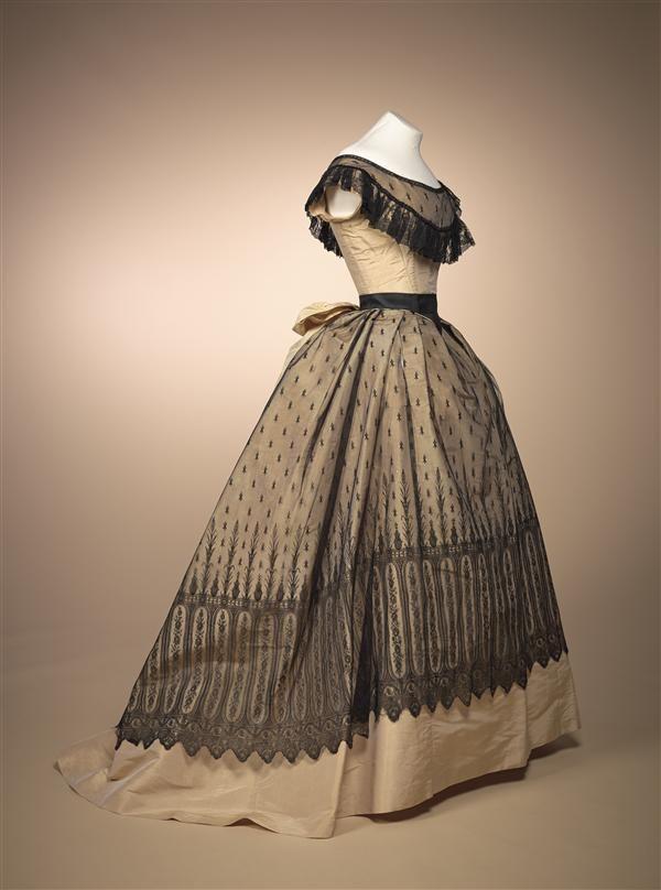 1868, Ballkleid, vermutlich Frankreich