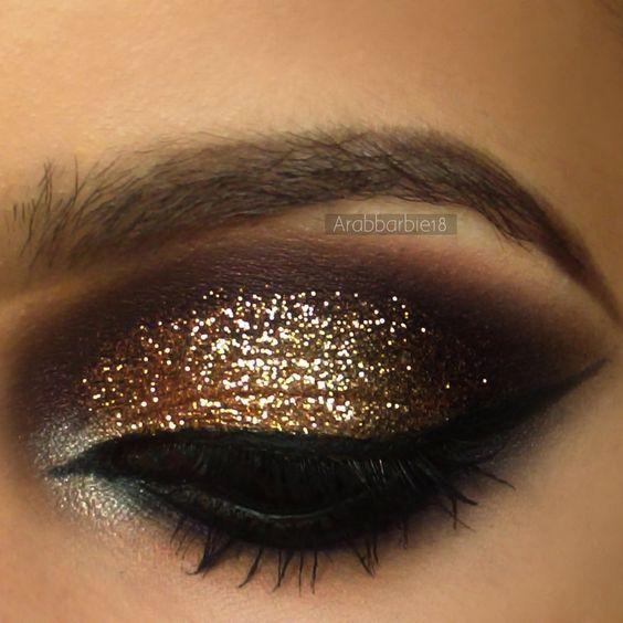 Gold Glitter Brown Smokey Eye #fall #Autumn #glitter #fallmakeup