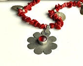 coral necklace,