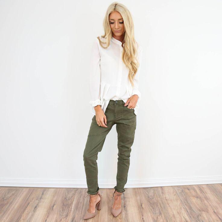 Olive Detailed Boyfriend Jeans