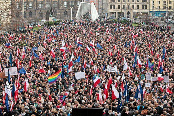 Kiedy powstała #Solidarność, śmiały się komuchy z PZPR Kiedy powstał #KOD, śmiał się PIS Pierwszych już nie ma....